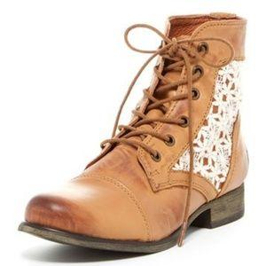 🆕️Steve Madden Thundr C Crochet Lace Up Boots